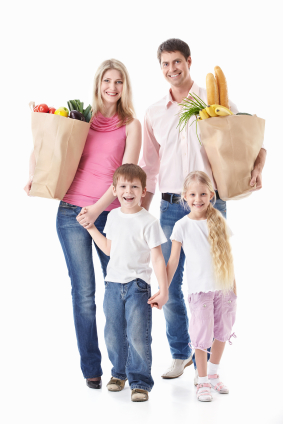 Family_of_4_with_groceries.jpg